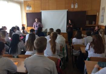В Краснограді «Карітас Харків» розповіли щодо питання торгівлі людьми та юридичної допомоги