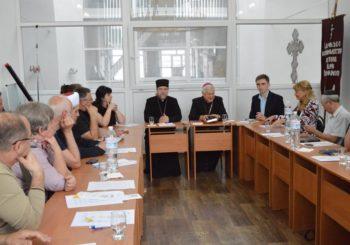 Круглий стіл щодо розбудови миру