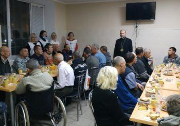 Всесвітній день бідних: вечеря у центрі реінтеграції бездомних громадян